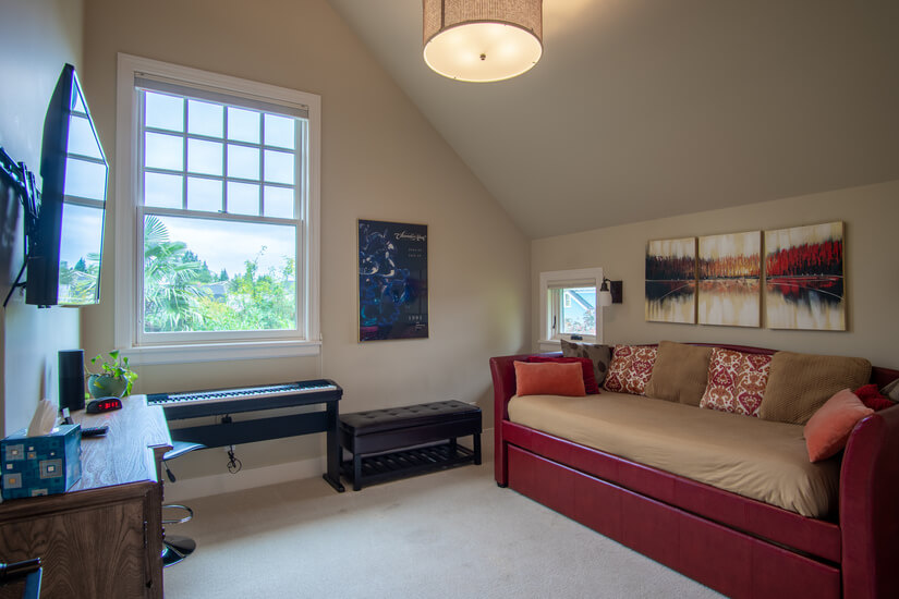 Guest Room - Two Twin Beds