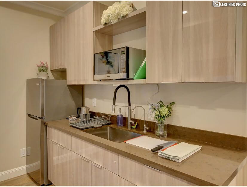 Studio C - Fully functional kitchenette with wet bar.