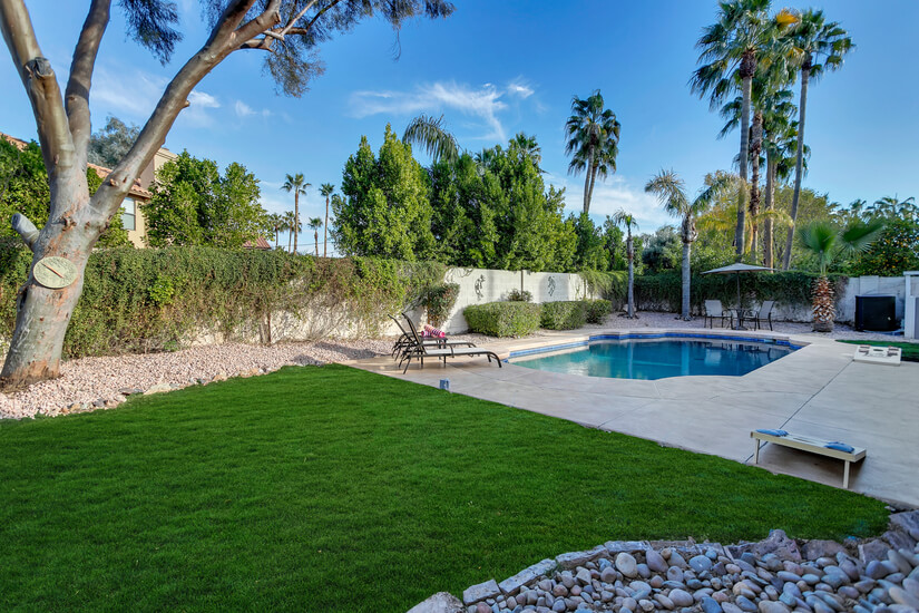 Spacious backyard, New Cool Deck, Pool Floats and Corn Hole