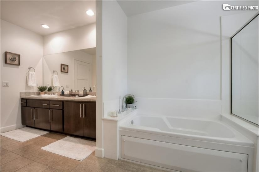 image 19 furnished 3 bedroom Townhouse for rent in North Hollywood, San Fernando Valley