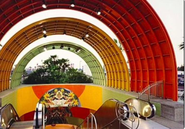 LA Metro- 5 minute drive from condo