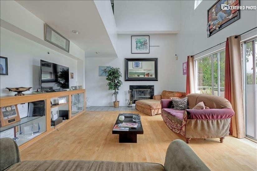 image 2 furnished 3 bedroom House for rent in Griffith Park - Los Feliz, Metro Los Angeles