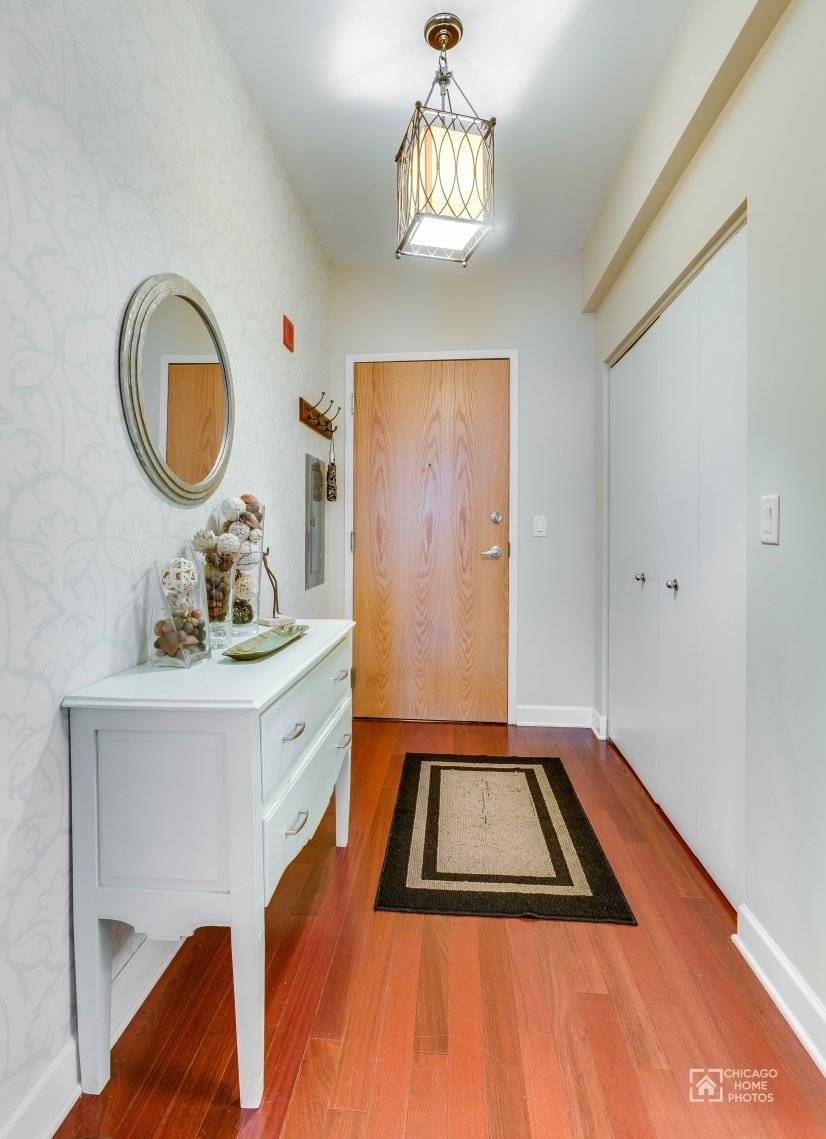 image 10 furnished 2 bedroom Townhouse for rent in Near North, Downtown