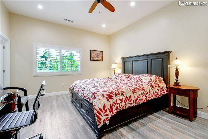 King size bed with storage in master bedroom 1