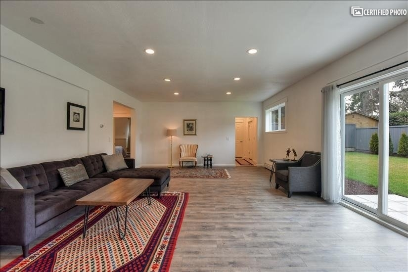 image 12 furnished 2 bedroom House for rent in Bothell-Kenmore, Seattle Area