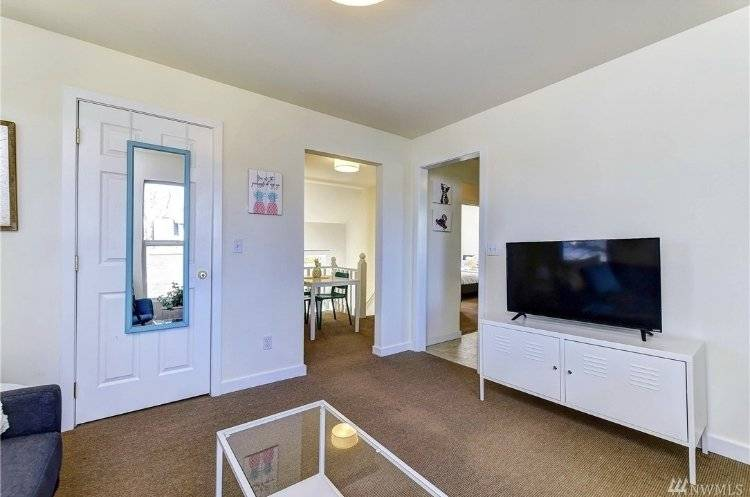 image 5 furnished 2 bedroom Townhouse for rent in Capitol Hill, Seattle Area