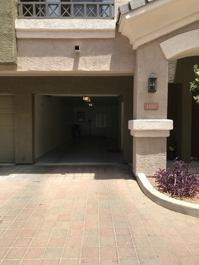 Tandem Garage opens directly into entrance.