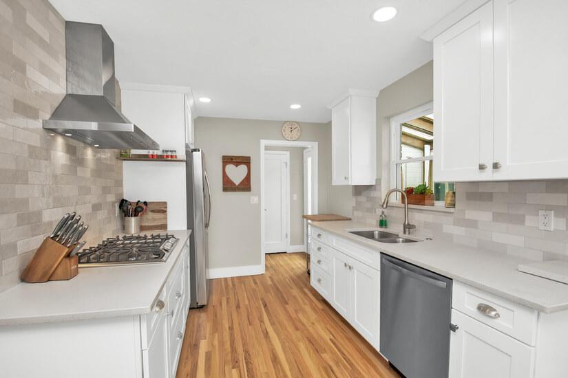 Kitchen - Gas Stovetop