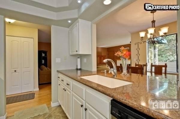 image 9 furnished 2 bedroom Townhouse for rent in Almaden, San Jose