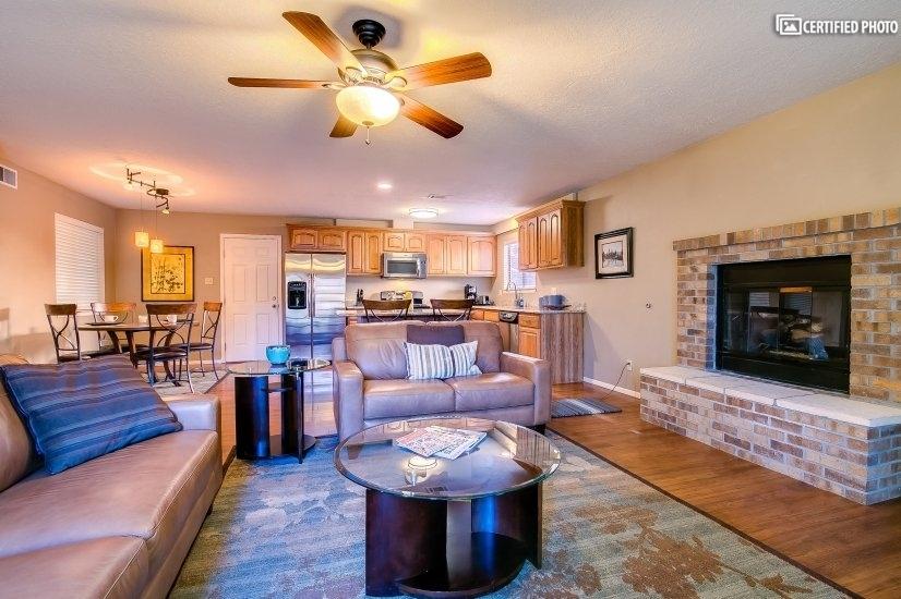 image 9 furnished 3 bedroom House for rent in Albuquerque, Albuquerque - Santa Fe