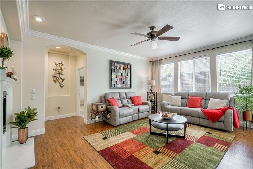 image 2 furnished 4 bedroom House for rent in Roseville, Sacramento - Stockton