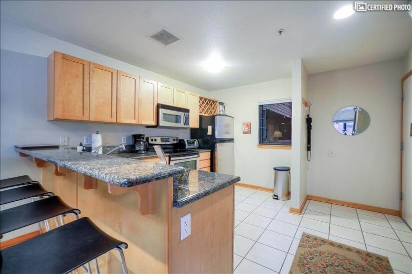 image 4 furnished 2 bedroom Townhouse for rent in Portland Downtown, Portland Area