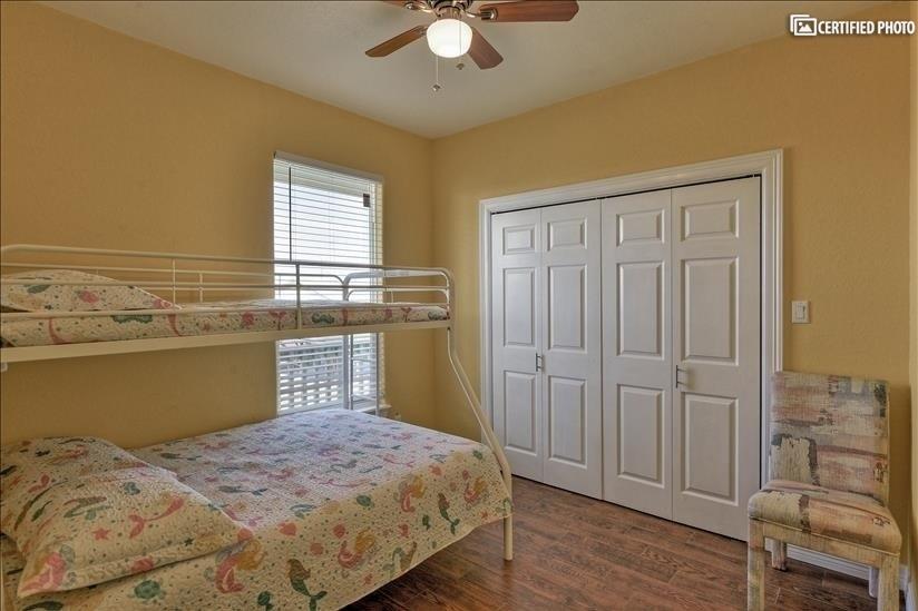Girls bedroom & closet