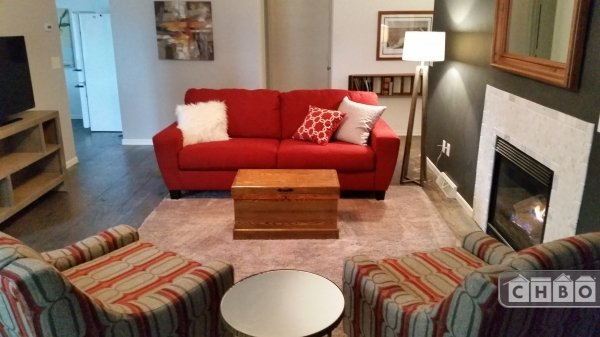 image 2 furnished 2 bedroom Townhouse for rent in Appleton, Outagamie County
