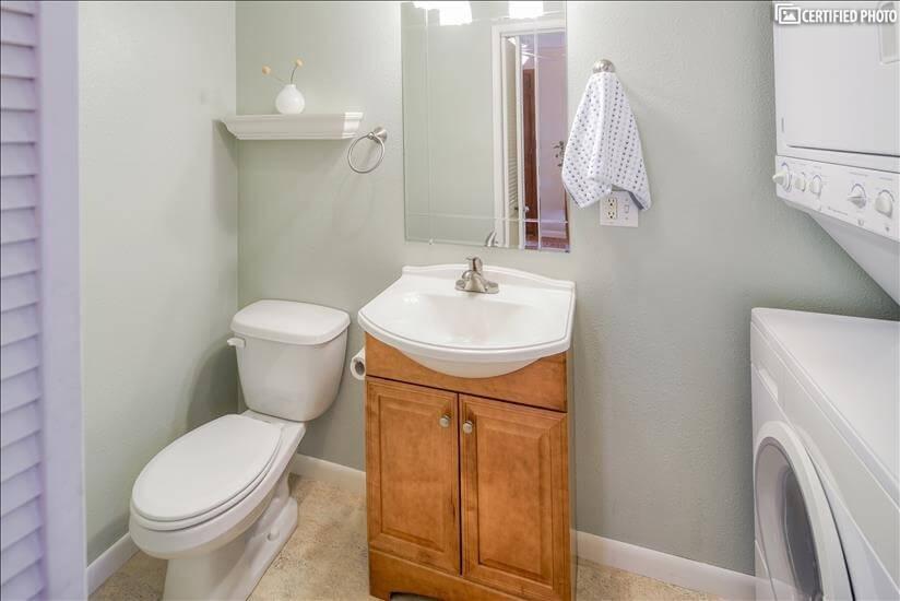 image 15 furnished 3 bedroom House for rent in Portland Southwest, Portland Area