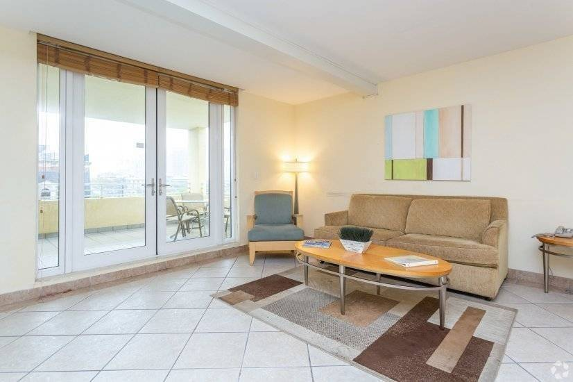 2-2 Furnished Apartment in Coconut Grove
