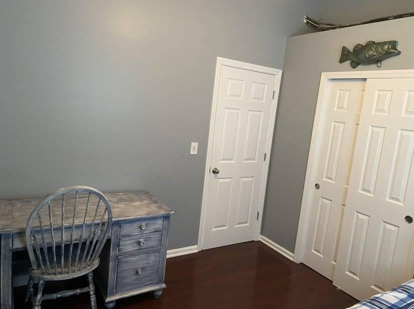 Bedroom 3 Desk