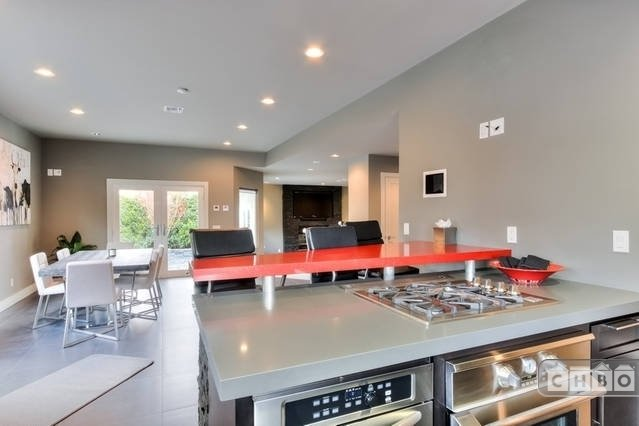 image 10 furnished 3 bedroom Townhouse for rent in Orange, Orange County