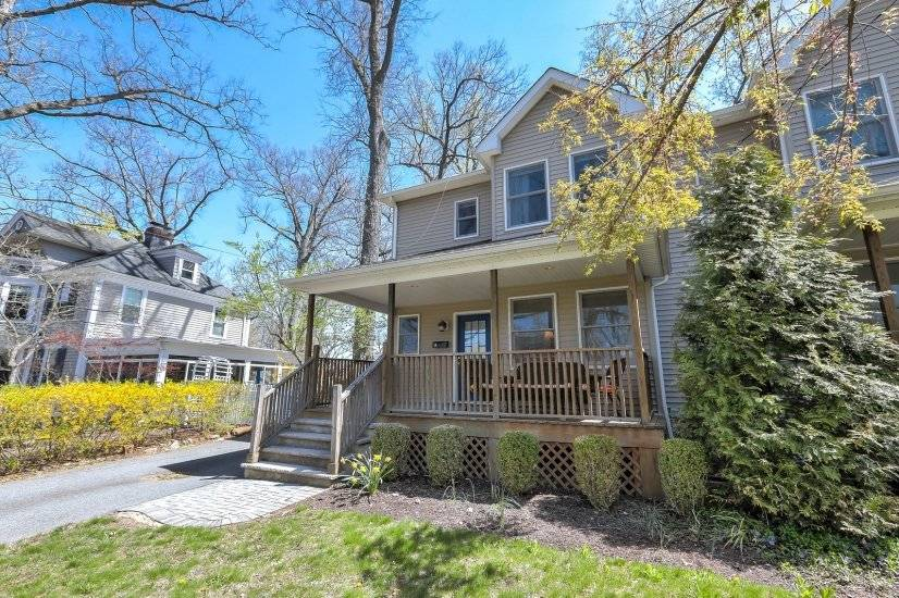 image 5 furnished 3 bedroom Townhouse for rent in Summit, Union County
