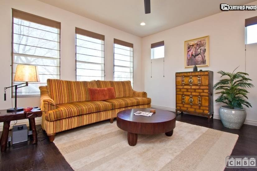 End Unit...2000 square feet of bliss