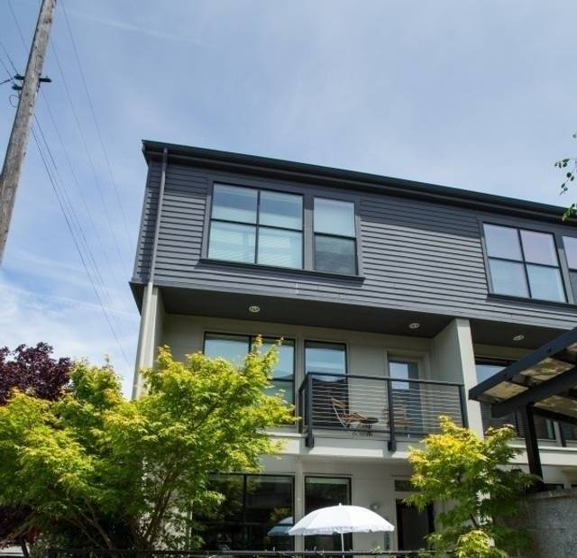 image 3 furnished 4 bedroom House for rent in Queen Anne, Seattle Area