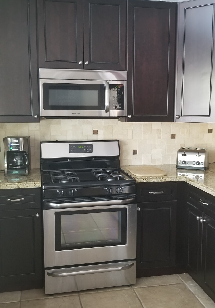 part of the kitchen - stainless steel appliances