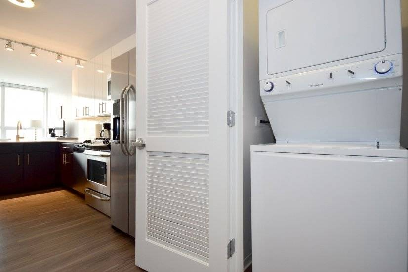image 8 furnished Studio bedroom Apartment for rent in Loop, Downtown