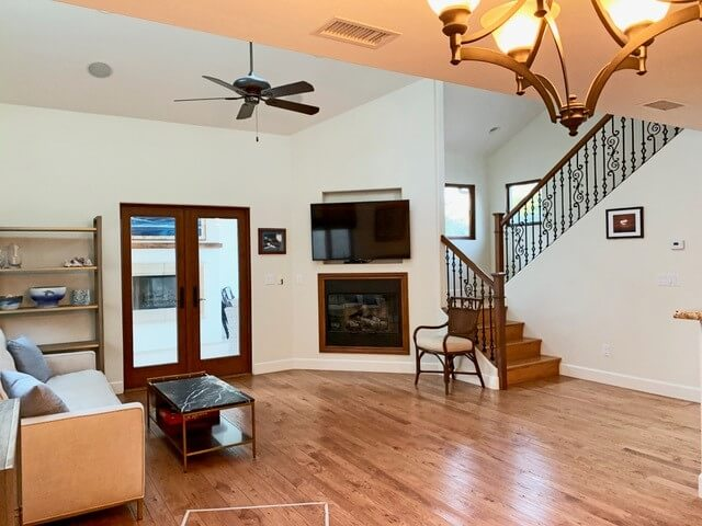 Living room with cable TV and gas fireplace