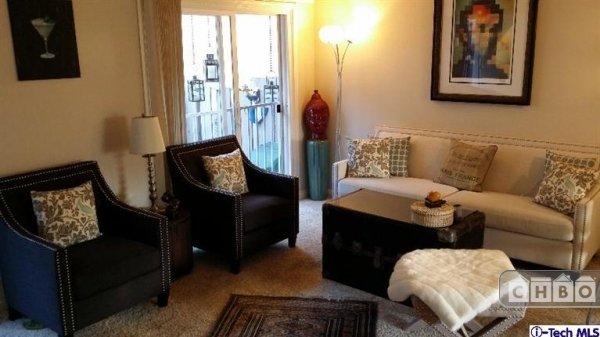 image 7 furnished 2 bedroom Townhouse for rent in Montrose, San Fernando Valley