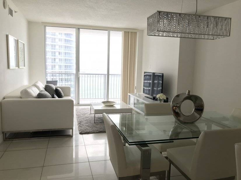 image 6 furnished 1 bedroom Townhouse for rent in Downtown, Miami Area