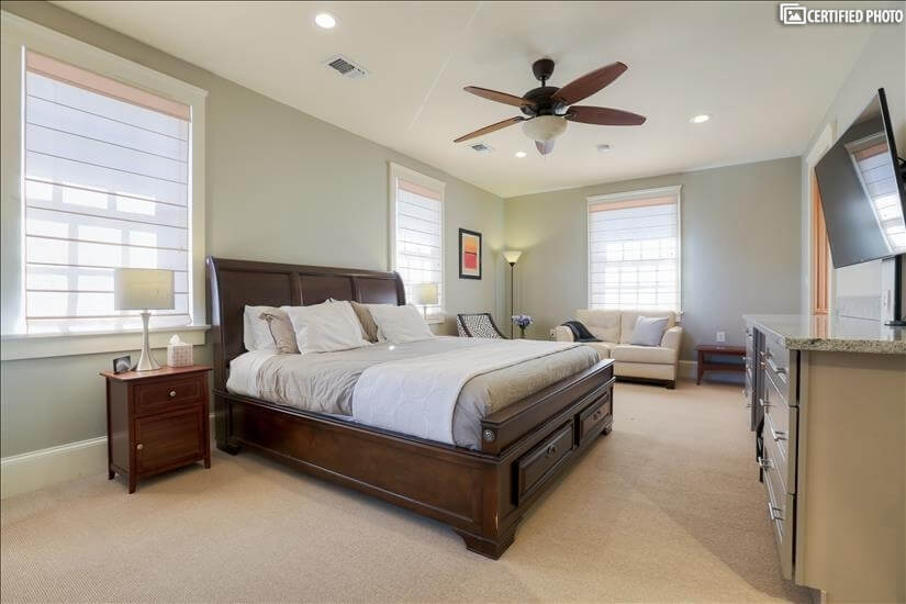 Guest Bedroom Suite w/King Bed and 600 Thread Count Sheet