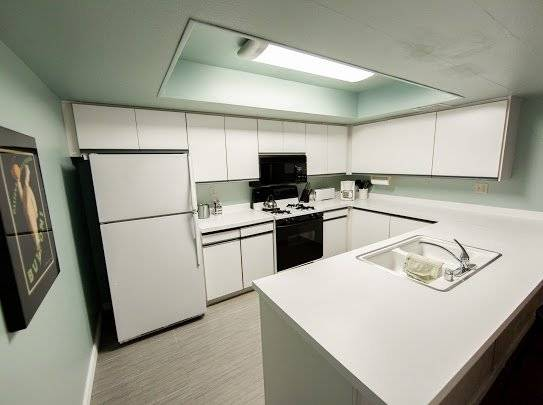 image 5 furnished 2 bedroom Townhouse for rent in Palm Springs, Southeast California