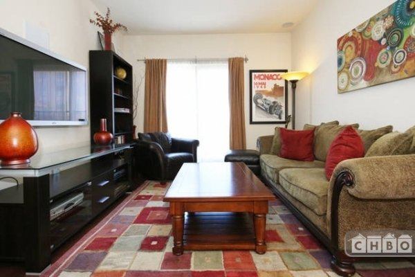 image 2 furnished 1 bedroom Townhouse for rent in Park West, Central San Diego