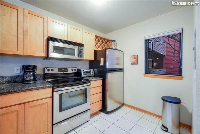 image 7 furnished 2 bedroom Townhouse for rent in Portland Downtown, Portland Area