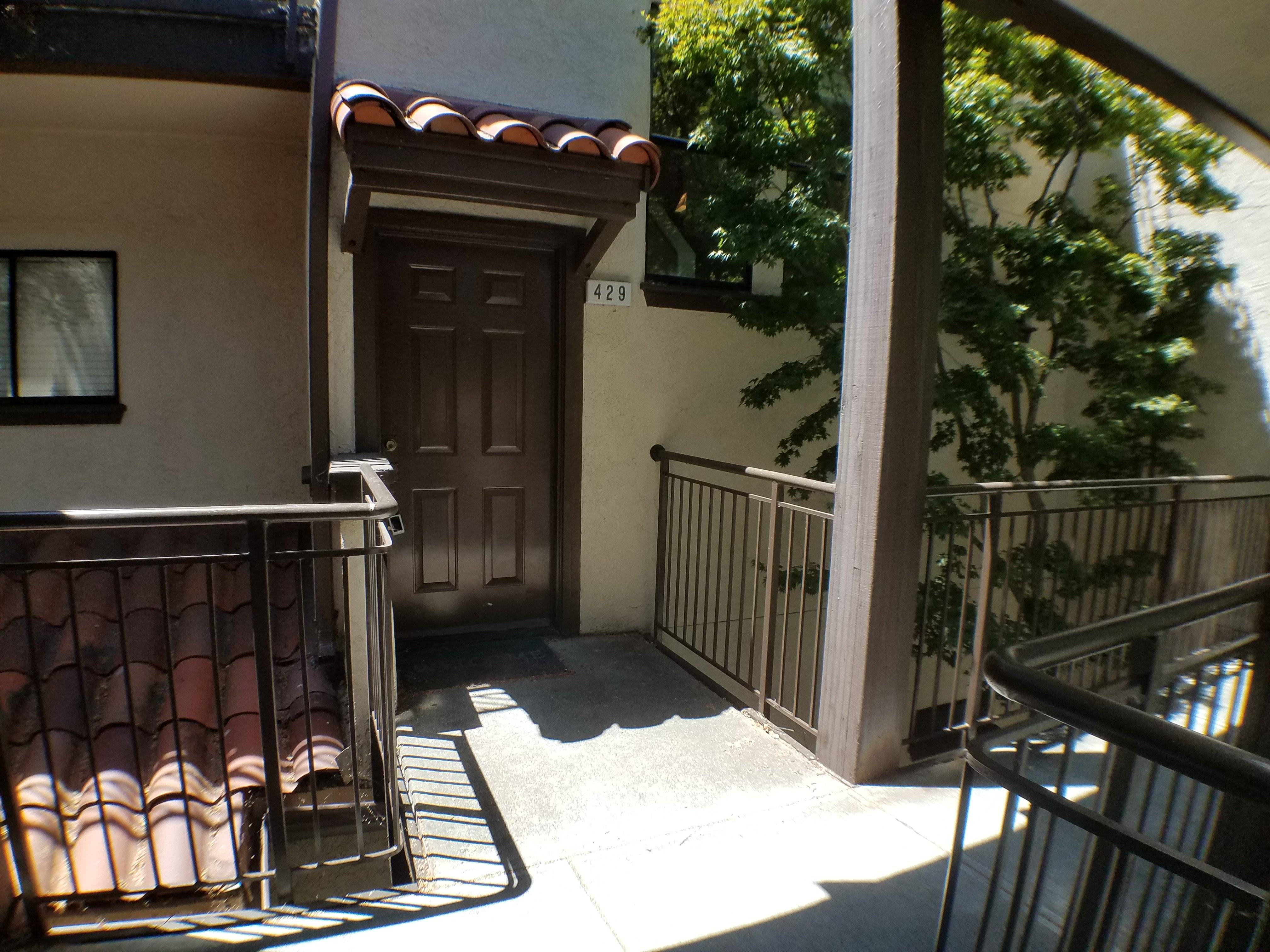 image 2 furnished 2 bedroom Townhouse for rent in Walnut Creek, Contra Costa County