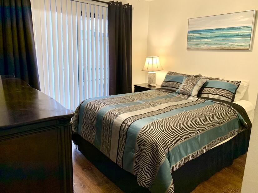Elegant, Class, Serta Firm mattress, 1st class