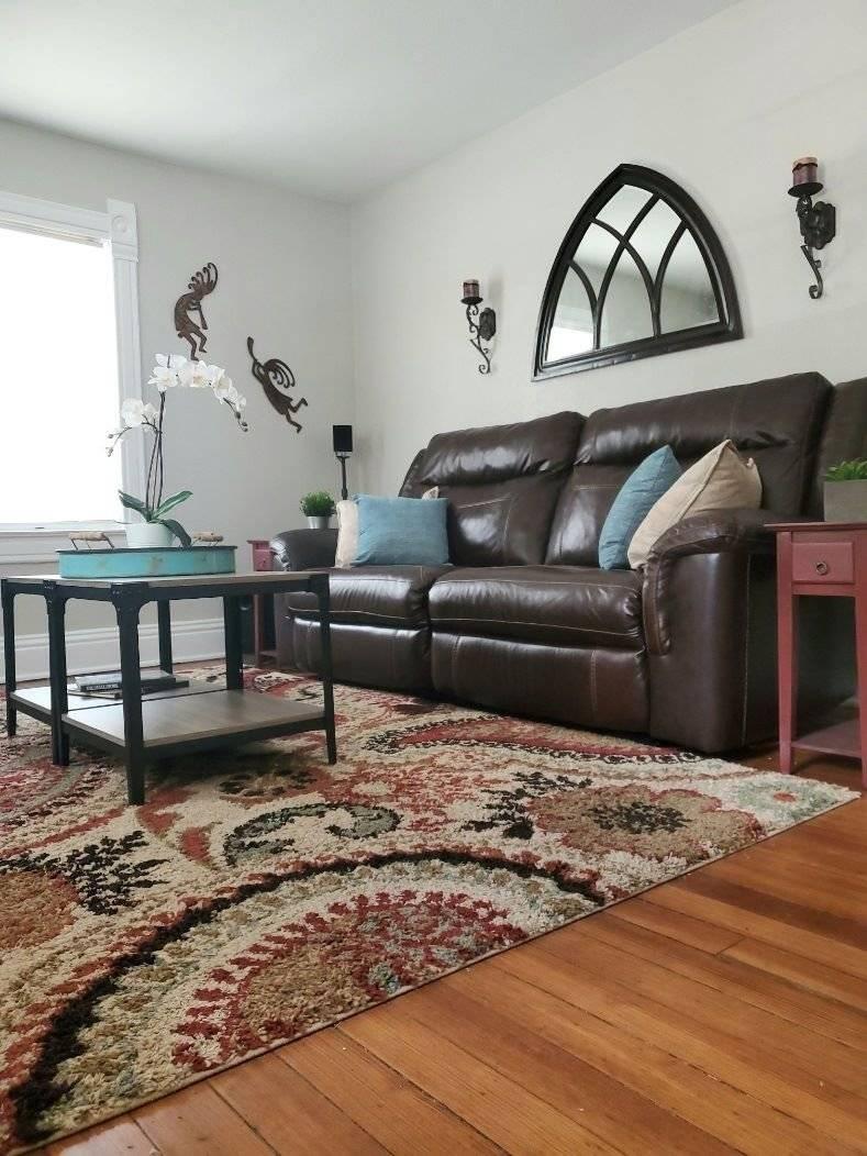 Livingroom with auto reclining sofa