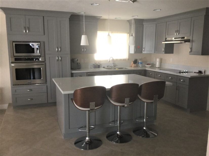 Brand sparkling new kitchen with quart countertops