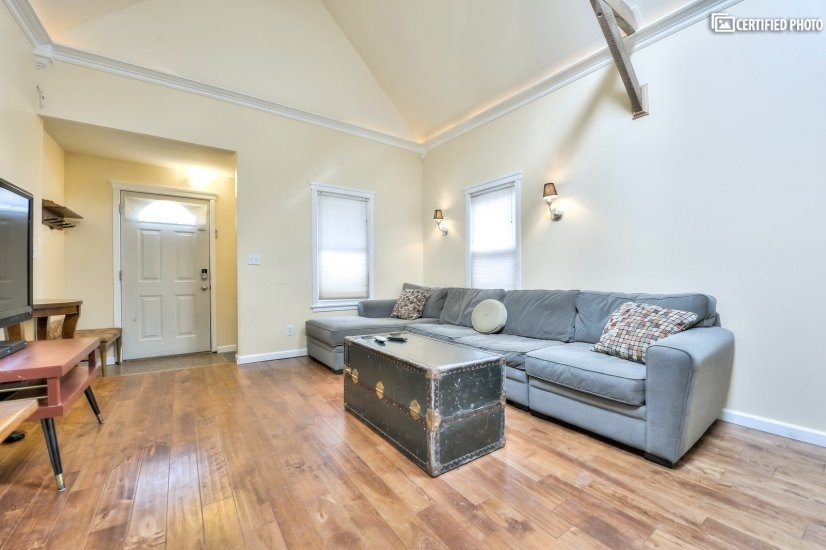image 4 furnished 1 bedroom House for rent in Kansas City, Kansas City Area KS