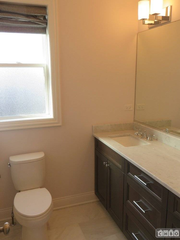 image 9 furnished 2 bedroom Townhouse for rent in Lincoln Park, North Side