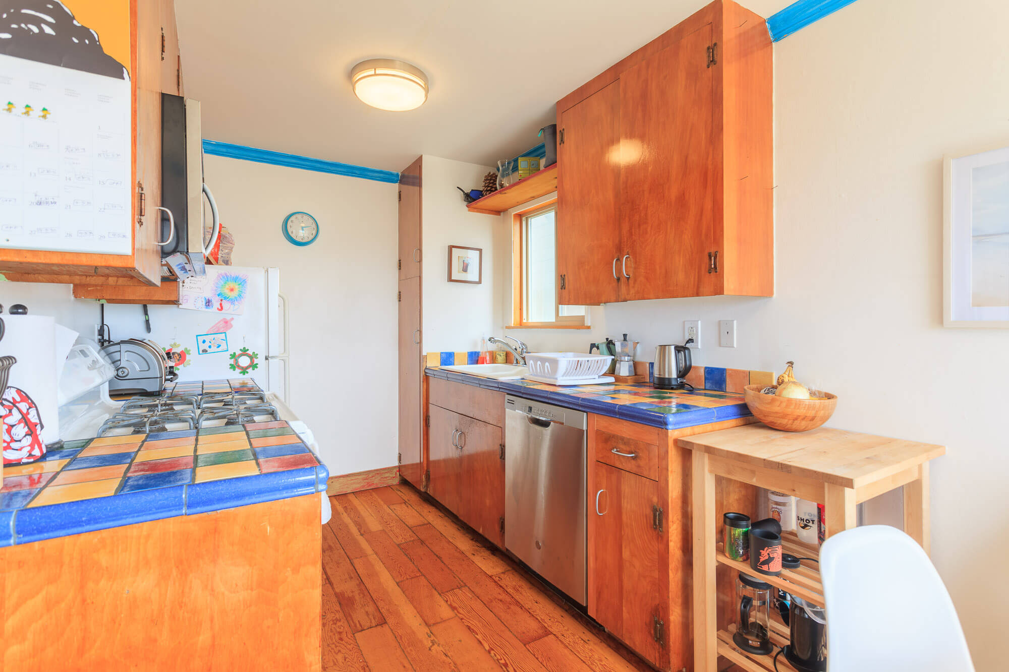 Full Kitchen with Gas stove and dishwasher