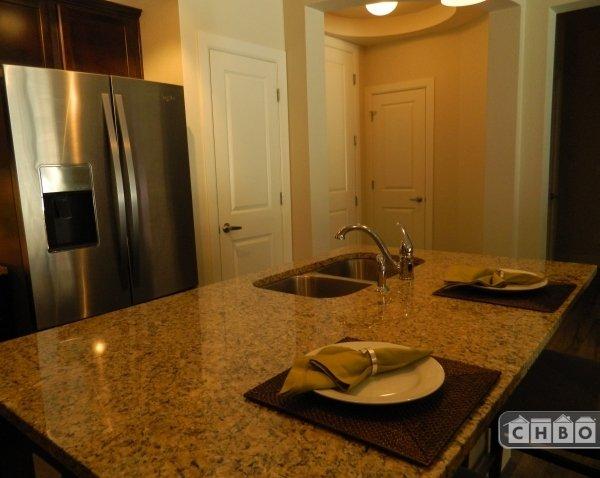 image 7 furnished 2 bedroom Townhouse for rent in Park Hill, Denver East