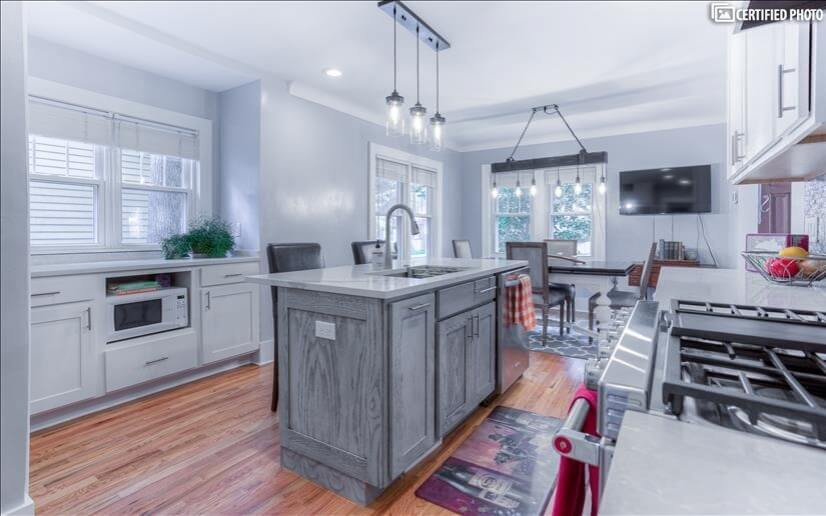 Open and airy brand new kitchen