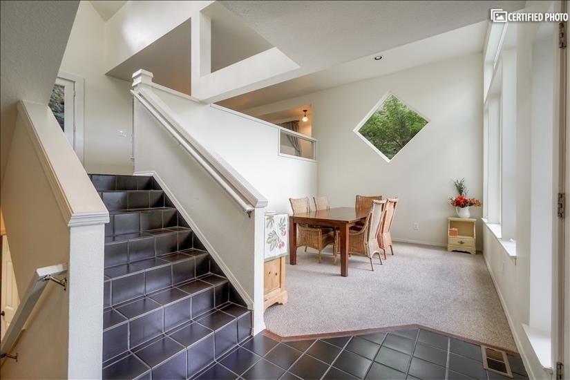 image 11 furnished 5 bedroom House for rent in West Linn, Portland Area