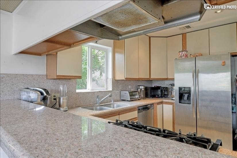 image 5 furnished 3 bedroom House for rent in Griffith Park - Los Feliz, Metro Los Angeles