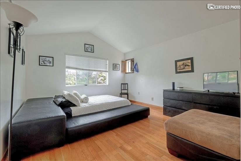 image 10 furnished 3 bedroom House for rent in Griffith Park - Los Feliz, Metro Los Angeles