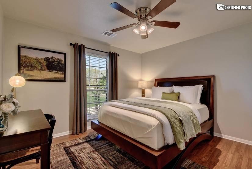 Bedroom #2 / Queen