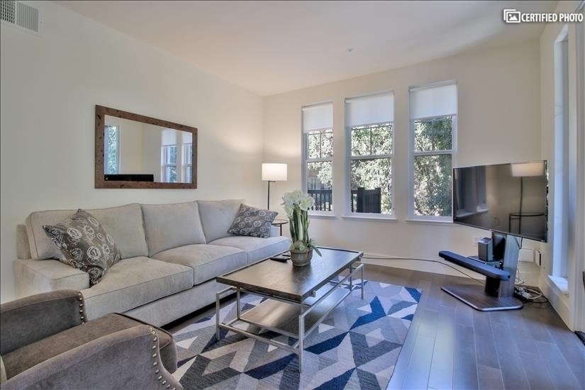 Fully Furnished 3 bedroom Condo