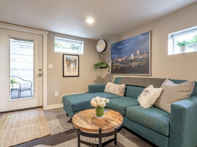 image 4 furnished 1 bedroom Apartment for rent in Portland Southwest, Portland Area