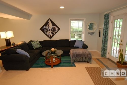 Well Furnished Living Room